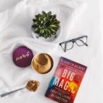 5 inspirierende,philosophische Bücher, die ein Lächeln auf den Lippen hinterlassen